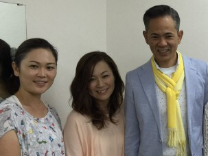 先日の沖縄出版記念講演会には 沖縄  読谷村出身の歌手♡ Kiroroさんが楽屋に挨拶にきてくれました。 二人ともに3人の子育て中のお母さん。 素敵な出会いでした。