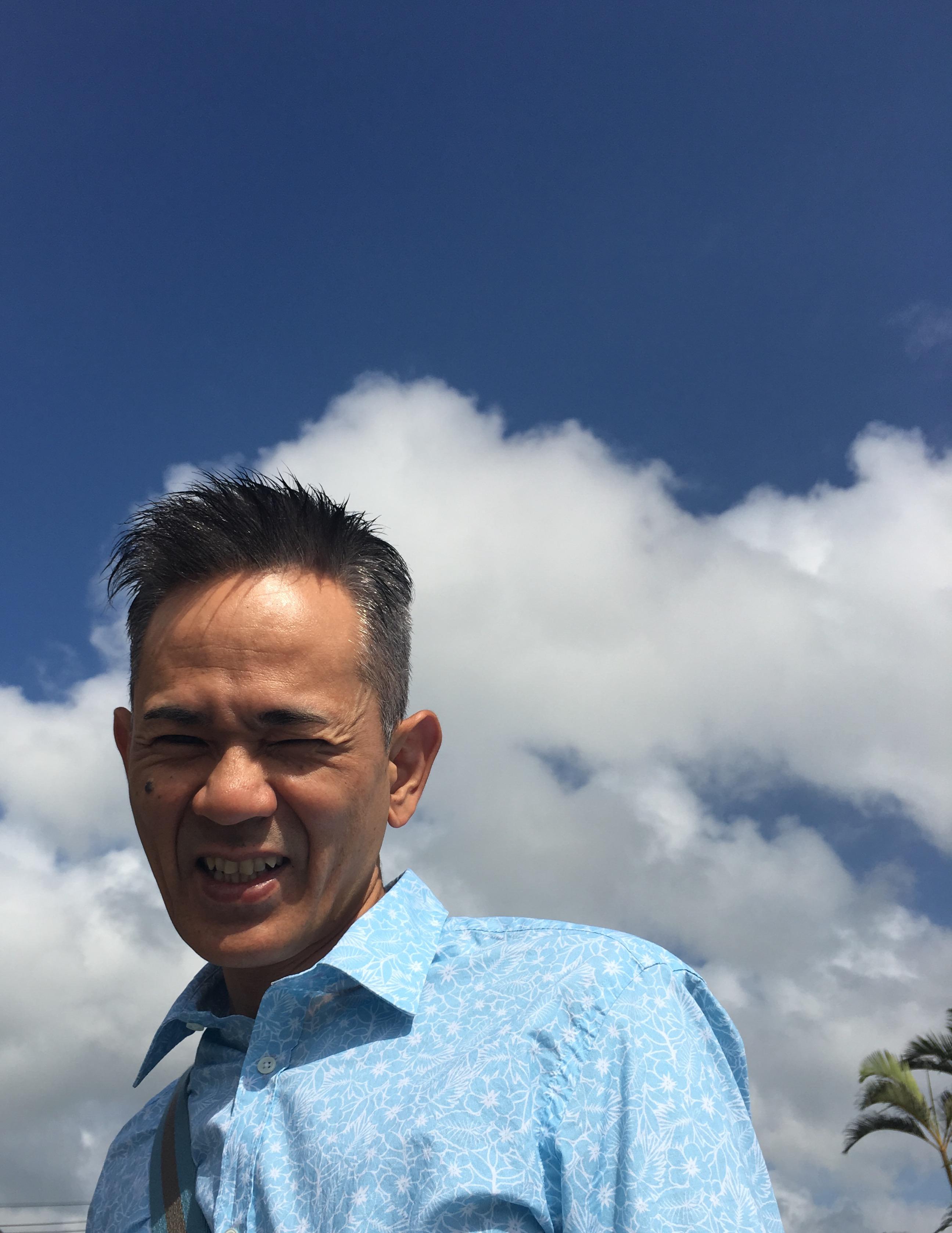 まぶちーーーーーーーい‼️ でも、夏大好き? 先生の心の声 笑 7月1日 書店販売予定の 新作の本✨✨✨ 青空に映える あなたを 快晴にする 一冊です。 ✨サキ読み? https://www.sunmark.co.jp/sp/books/sakiyomi/entry_form.php ✨先行予約? http://www.sunmark.co.jp/sp/book_profile/detail.php?cmn_search_id=978-4-7631-3571-1