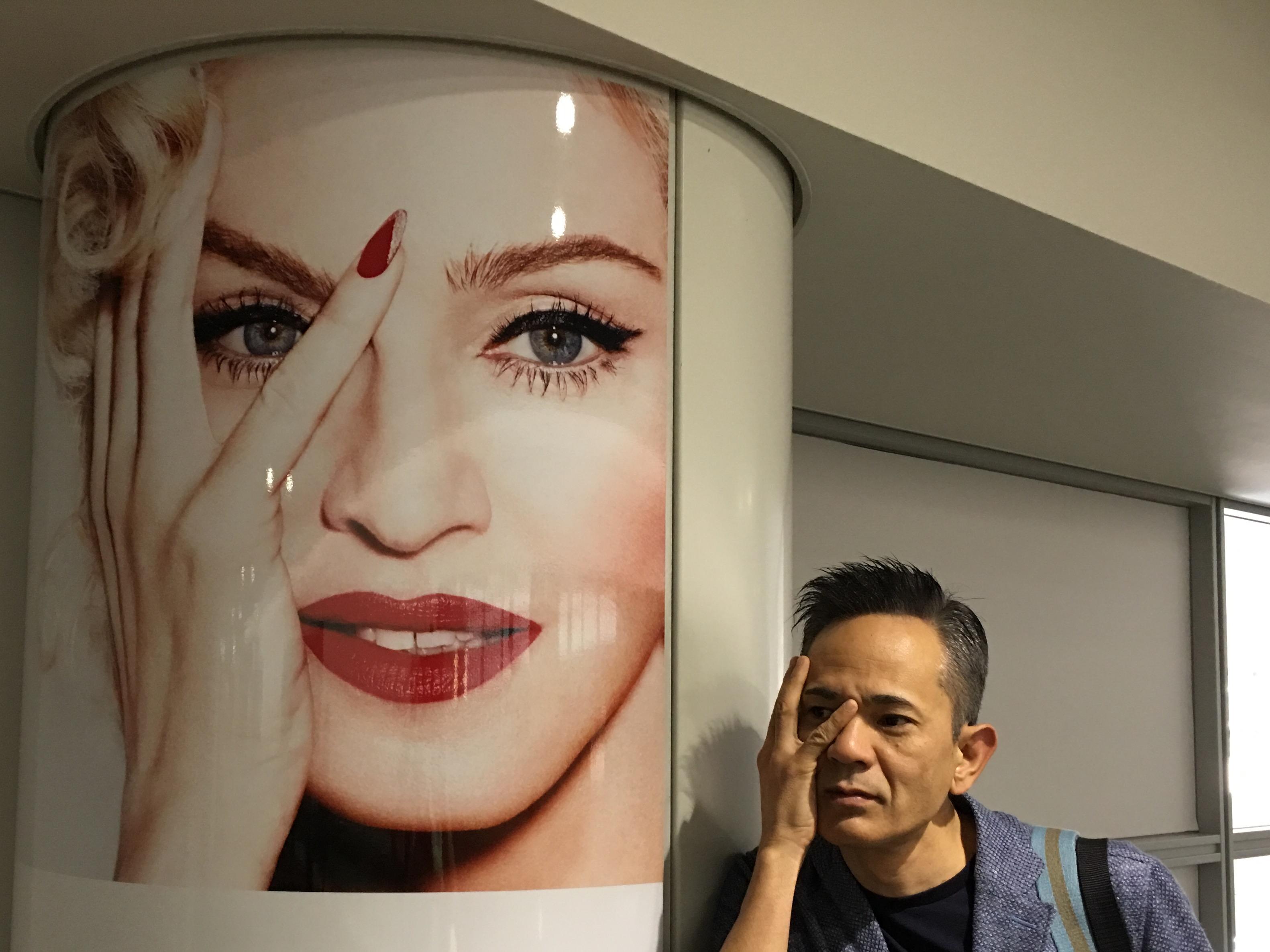 なんと セントレア中部国際空では マドンナがお出迎え✨