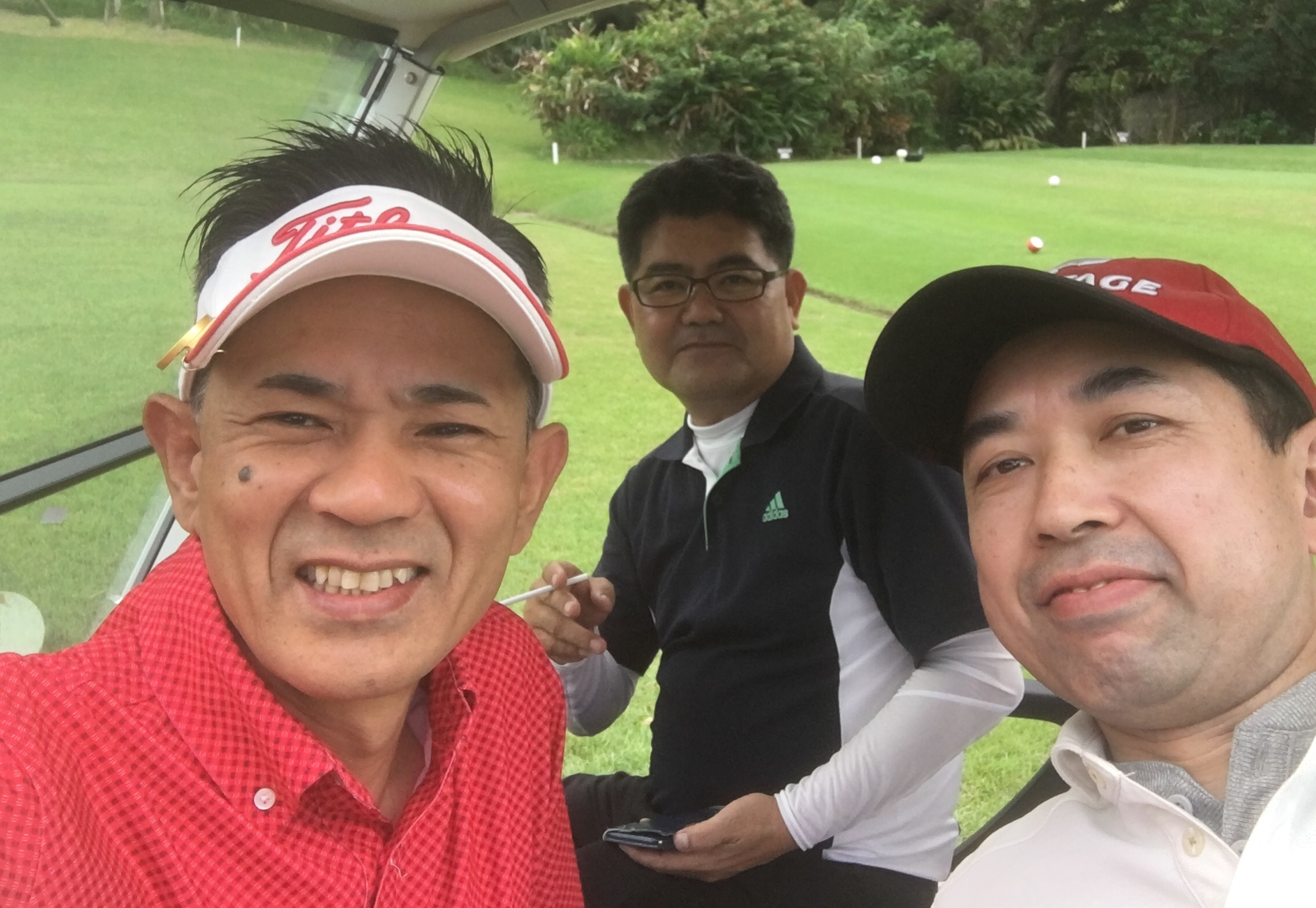 この2年 超   多忙な毎日の先生 数ヶ月前に ねぇ〜小堀さん 10月28日って、、、何かある? 先生がスケジュールを確認するのは 本当に稀‼️ だから、この日だけは無条件に 理由も聞かず空けておきました。 何と、、、高校の同窓会ゴルフコンペ ゴルフコンペコースから 楽しい時間を 送っていただきました。 新しくチューニングしたゴルフクラブは どうだったのかな? お土産話楽しみです?⛳️